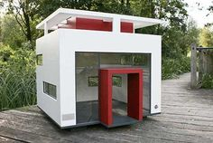 The Cubix Dog Mansion by German company Best Friend's Home is probably the most modern dog house I have ever seen. It is designed to pay homage to the Bauh Design Bauhaus, Bauhaus Style, Modern Dog Houses, Cool Dog Houses, Modern Homes, Dog Mansion, Luxury Dog House, Dog Design, House Design