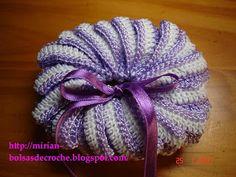 IL FILO CHE CREA: Profumabiancheria di Mirian, traduzione in italiano. Crochet Wool, Free Crochet, Mom In Law, Knitted Hats, Crochet Hats, Crochet Kitchen, Washing Clothes, Free Design, Tatting