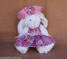 Boyds-Bears-Plush-Buffy-B-Bunny-White-w-Spring-Clothes-2008-NEW