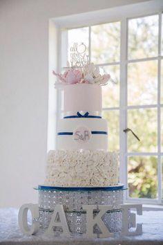 Wedding cake|ruffles