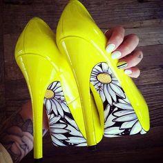 Yellow Flower Pumps - Teen Fashion - follow @Christina Childress Childress Childress Spencer Fashion