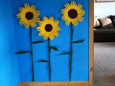 Sonnenblumen mit Handabdruck   Basteln & Gestalten Autumn Crafts, County Fair, Vincent Van Gogh, Frame, Decor, Ideas, Hand Prints, Sunflowers, Picture Frame