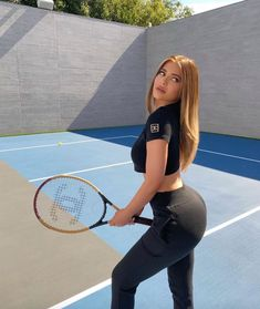 Kylie Jenner Body, Mode Kylie Jenner, Trajes Kylie Jenner, Kylie Jenner Photos, Kyle Jenner, Kylie Jenner Outfits, Jouer Au Tennis, Kendall And Kylie, Fashion Clothes