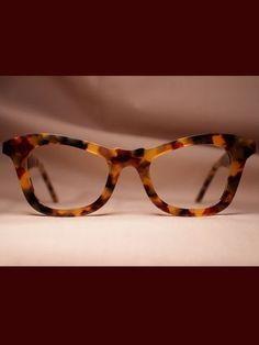 Individual Custom Eyewear - Thick Rimmed Tortoiseshell Sunglasses