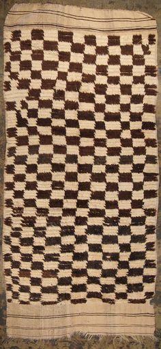 black white rough checkerboard Moroccan rug 4'10 x 9'11