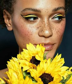 yellow eyeshadow, color block, colorful makeup.