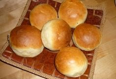 Still Hungarian buns but with dairy this time around. Hamburger, Ale, Rolls, Bread, Cooking, Food, Lunch Ideas, Buns, Dairy