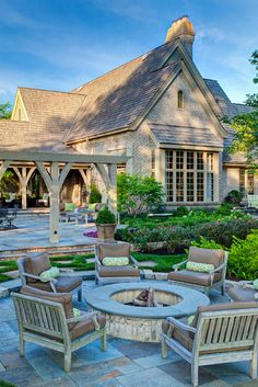 Fabulous outdoor space! Hursthouse Landscape Architects and Contractors