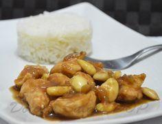 Se siete amanti della cucina cinese provate a riprodurre in casa il pollo alle mandorle: buono e saporito come l'originale!