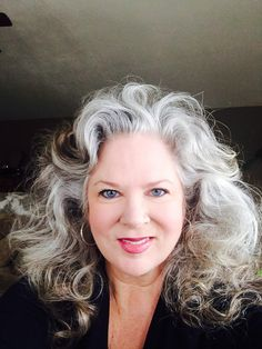 Wisdom or just gray grey hair Hair Dos, Your Hair, Silver Haired Beauties, Silver White Hair, Grey Hair Inspiration, Salt And Pepper Hair, Pelo Natural, Natural White Hair, Grey Wig