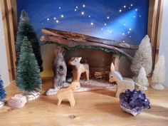 Nature table, third week of advent Christmas Nativity Scene, Christmas Crafts, Christmas Decorations, Wood Crafts, Diy And Crafts, Waldorf Crafts, Nature Table, Nature Crafts, Winter Time