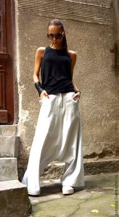 брюки с мотней льняные штаны свободные штаны шаровары широкие брюки стильные брюки свободные брюки серые брюки из льна спортивный стиль гламурный стиль