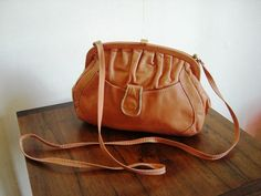 Tasche Vintage Fashion, Leather, Bags, Gowns, Handbags, Fashion Vintage, Bag, Preppy Fashion, Totes