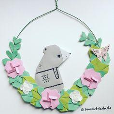 クマさんとちょうちょ。 渋カワイイを目指して。 A bear and a butterfly. #garland #wreath #wreathflower #interiordecorating #origami #bear #butterfly #papercraft #paperflower #walldecor #おりがみ #折り紙 #ペーパークラフト #工作 #お花 #くまさん #ちょうちょ #リース #ガーランド #壁飾り #インテリア雑貨 #たかはしなな #nanatakahashi
