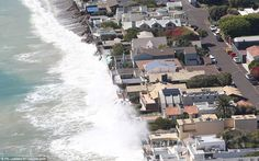 Celebrities' Malibu homes battered by huge waves Huge Waves, Malibu Homes, Famous Beaches, Gate House, Malibu Beaches, Los Angeles Area, Creature Comforts, Celebrity Houses, Modern Family
