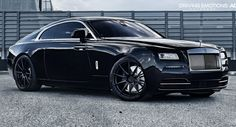 "Rolls-Royce Wraith Poses On 22"" Matte Black Wheels"