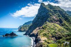 Luchtvaartmaatschappij Corendon kondigt aan met ingang van mei 2016 te gaan vliegen op het Portugese eiland Madeira.