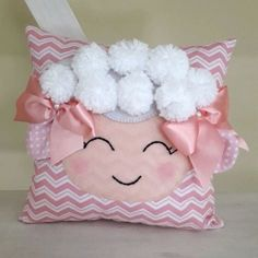 Lovely cushions for baby bedroom Cute Pillows, Baby Pillows, Kids Pillows, Throw Pillows, Crochet Cushions, Sewing Pillows, Baby Bedroom, Baby Room Decor, Pillow Crafts