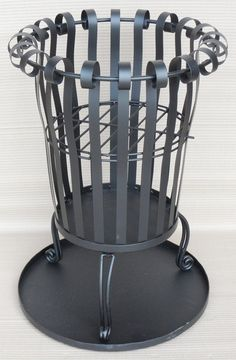 BLACK METAL GARDEN BRAZIER INCINERATOR FIRE BASKET WITH ASH COLLECTING TRAY: Amazon.co.uk: Garden & Outdoors