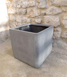 Pot de fleurs carr� en fibre de pierre grise decoclico Jardin