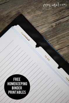 Free Homekeeping Binder Printables including calendars, to do lists, grocery lists, party planners, and so much more.  Get organized for the new year!