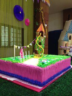 Rapunzel cake.