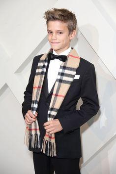 Quién.com : Los niños con más estilo de 2014-No tienes que pensarle mucho para concluir que si te apellidas Beckham seguro tienes estilo. Romeo, el segundo hijo de Victoria y David, fue imagen de la campaña festiva de Burberry de este año.
