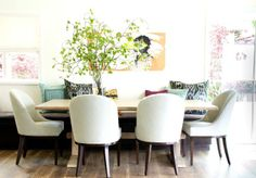 casual chic dining space with built in bench