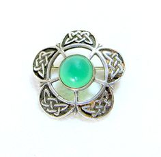 Vintage Scottish Silver Pin, Green Agate 5-Petalled Celtic Knot Knotwork Sterling Silver Brooch Scotland 1960s by keepsies on Etsy £19.95