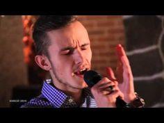 Ого! Нерусский официант вдруг так запел и без акцента! - YouTube