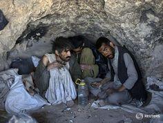 PHOTOS: Afghanistan's nexus between Islamist militancy, crime and opium. http://reut.rs/1zOEAnz