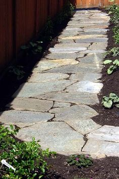 Inexpensive stone walkways and types gardens walkways for Inexpensive walkway ideas
