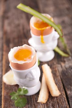 The Best Way to Eat Soft Boiled Eggs Soft Boiled Eggs, Good Things, Eat, Canning, Breakfast, Recipes, Morning Coffee, Ripped Recipes