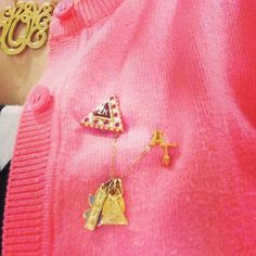 monogram + badge =♡♡