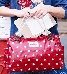 Cath Kidston Spots & Dots Day Bag กระเป๋ายอดฮิตช้อปได้ที่เซ็นทรัล ออนไลน์ ช้อปปิ้ง คลิก> http://www.central.co.th/th/products_detail.php?cid=23903