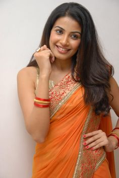 Kavya Shetty Photos - Kavya Shetty in Saree Indian Film Actress, Indian Actresses, Saree Blouse, Sari, Miss India, South Indian Film, India People, Beauty Pageant, India Beauty