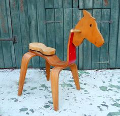 Eames horse chair but somehow, I think the rocking horse will always win out Charles Eames, Designer Toys, Mid Century Furniture, Modern Room, Mid Century Design, Decorative Items, Cool Designs, Creations, Horses