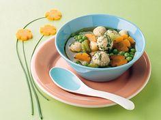 Gemüsesuppe mit Grießklößchen