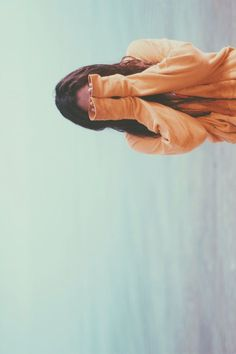 ocean horizon and sweater days - portrait photography ideas - hide and seek #ProfilePictures