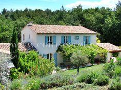 Location d'un mas provençal de vacances avec piscine près d'Aix en Provence avec Coins Secrets. Holiday letting in Provence, France. #provence #aix #vacances #