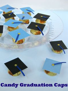Make these adorable Candy Graduation Caps as party favors or as gifts for graduates. Make these fun candy graduation caps to use as graduation favors or table decorations. These DIY graduation treats are easy-to-make. Graduation Desserts, Graduation Party Centerpieces, Graduation Party Planning, Graduation Party Themes, Graduation Decorations, Graduation Party Decor, Graduation Caps, Grad Parties, Table Decorations