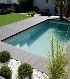 42 Ideas For Modern Landscape Design Pool Patio Small Swimming Pools, Small Pools, Swimming Pools Backyard, Swimming Pool Designs, Lap Pools, Indoor Pools, Pool Decks, Landscaping With Rocks, Modern Landscaping