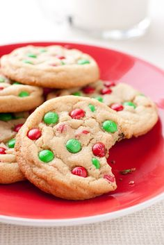 M&M Cookies {Christmas Style} - Cooking Classy Christmas Style, Christmas Sweets, Christmas Cooking, Christmas Kitchen, Simple Christmas, Christmas Ideas, Holiday Treats, Holiday Recipes, Delicious Desserts