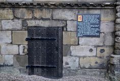 Capital of Scotland - Places of Interest - Elegant Georgian Holiday Let in central Edinburgh location Edinburgh Sights, Mary Of Guise, English Army, Two Twin Beds, Places Of Interest, Queen Victoria, Reign, Contents, Scotland