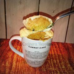 Mug Cake de Carrot Cake o bizcocho en taza de zanahoria y crema de queso | La Cocinera Revoltosa