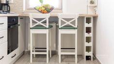 Mobila bucatarie vintage - Mobila la comanda MOBIERA Iasi Modern Tiny House, White Wood, Houzz, Kitchen Decor, Furniture, Design, Home Decor, Small Modern Home, Decoration Home