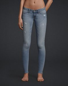 Current Fashion Trends trending in the colleges right from Jeans, jeggings, Jackets. Style Casual, Casual Outfits, Cute Outfits, Fashion Outfits, My Style, Cute Jeans, Denim Jeans, Skinny Jeans, Abercrombie Girls