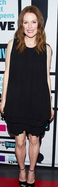 Who made  Julianne Moore's black dress and sandals?