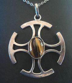 Scottish Silver Modernist Orkney Tigers Eye Cross Pendant � Ola Gorie 1970s Modern Jewelry, Fine Jewelry, Jewellery, Cross Jewelry, Kilts, Types Of Rings, Toe Rings, Diamond Are A Girls Best Friend, Ankle Bracelets