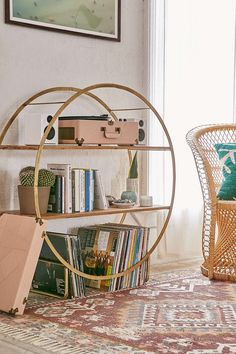 Brigid Circle Shelf from Urban Outfitters. Shop more products from Urban Outfitters on Wanelo. Urban Outfitters Zimmer, Urban Outfitters Room, Urban Outfitters Apartment, Urban Outfitters Furniture, Vintage Home Decor, Diy Home Decor, Hipster Home Decor, Circle Shelf, Living Room Decor